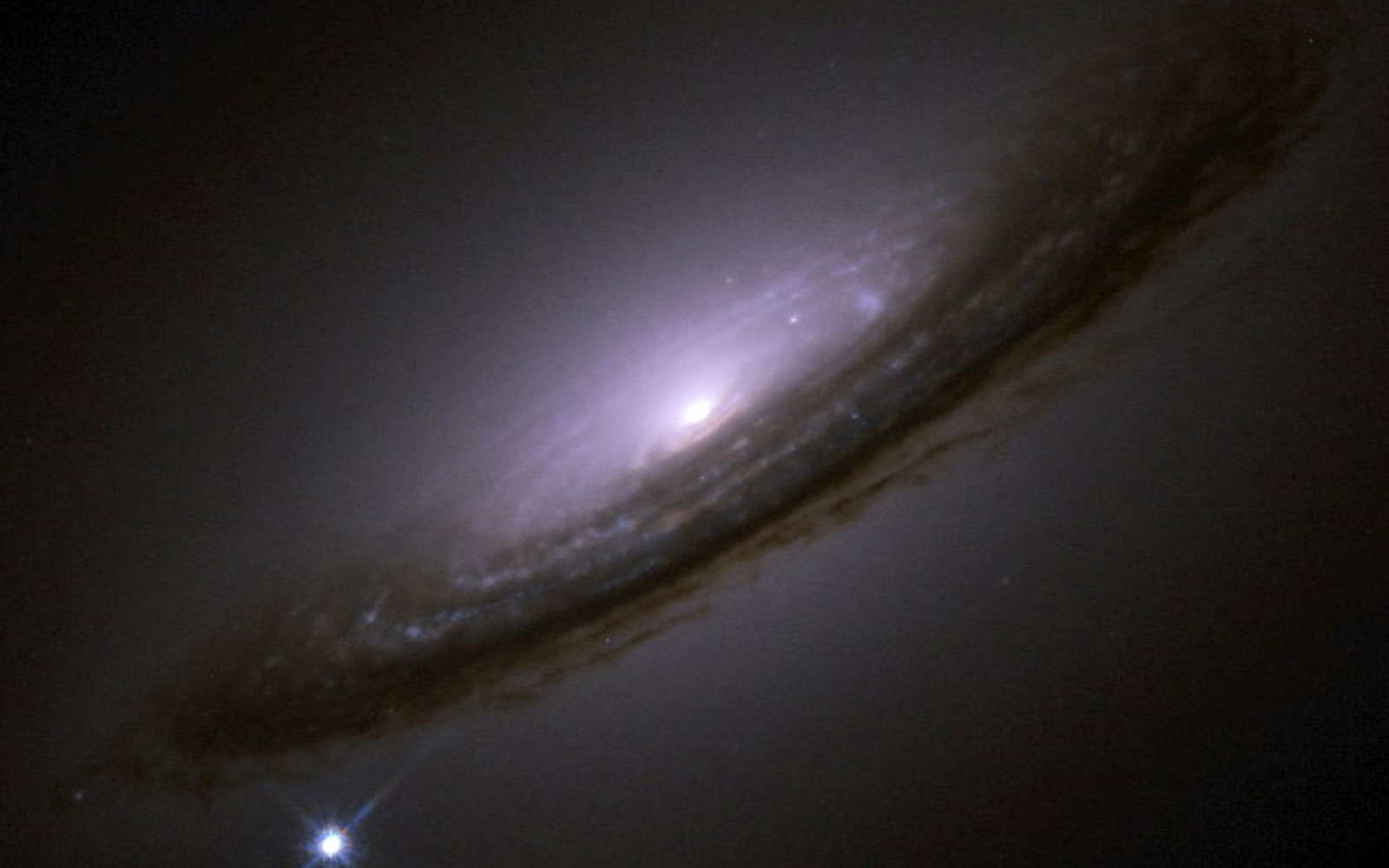 Semana - 1306 - 3 NGC 4526